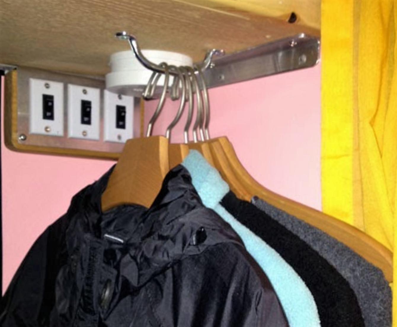 MODS – Coat hanger ideas for small spaces – My Motorhome Mods